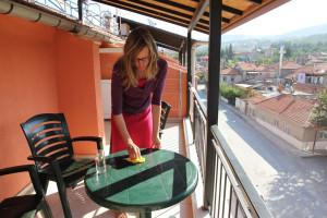 Pflege der Balkonmöbel